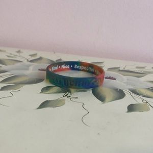 "Tie dye ""good"" rubber bracelet"